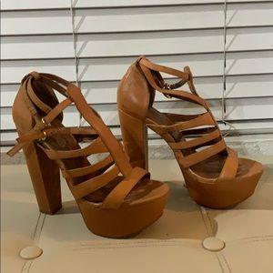 Jessica Simpson platform heel sandal shoes